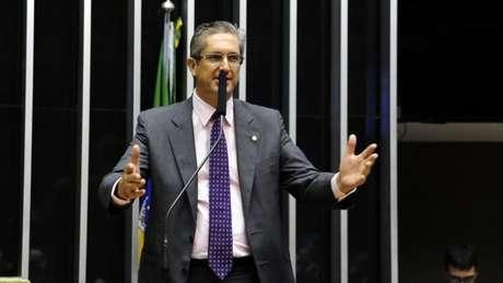 Novato, Rogério Rosso desponta como favorito para presidir deputados