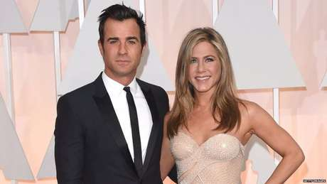 'Somos completas com ou sem um companheiro, com ou sem filhos', diz a atriz de 'Friends', casada com roteirista Justin Theroux