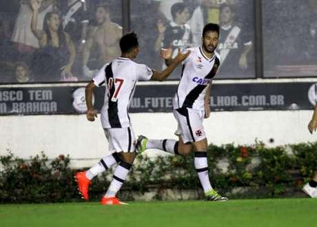 Luan fez o gol que evitou a derrota do Vasco em São Januário (Foto: Paulo Sergio/LANCE!Press)
