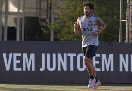 Pato tem contrato com o Corinthians até dezembro deste ano