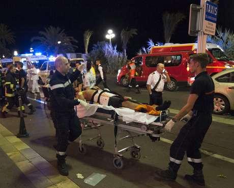Mohamed VI expresa su solidaridad a François Hollande tras atentado de Niza