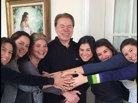 Silvio Santos tem seis filhas: Patrícia Abravanel, Silvia Abravanel, Cintia Abravanel, Renata Abravanel, Rebeca Abravanel e Daniela Beiruti