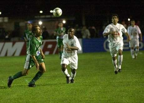 Santos e Gama se enfrentaram pela última vez no Brasileirão, no empate em 0 a 0 (Foto: Tony Winston)