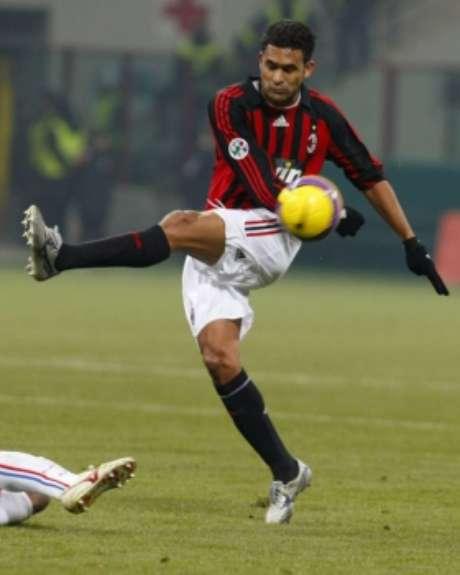 Serginho foi vendido para o Milan por 8,9 milhões de euros (R$ 32,1 milhões na cotação atual)