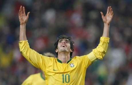 Kaká foi vendido para o Milan por 8,2 milhões de euros (R$ 29,6 milhões na cotação atual)
