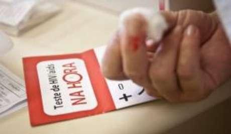 Desde 2013, o Ministério da Saúde adotou a política Testar e Tratar, da Organização Mundial da Saúde (OMS), para detecção precoce do vírus da aids