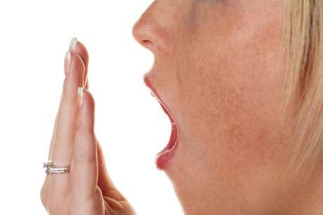 Diversos sites da Internet ensinam formas de verificar se o hálito está em dia ou alterado, porém não são recomendados, pois não são confiáveis