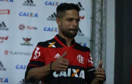 Diego já está regularizado para poder estrear pelo Flamengo e depende só da parte física (Foto: Cleber Mendes)