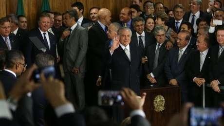Avaliação do governo Temer como ruim ou péssimo passou de 43% em junho para 48% neste mês