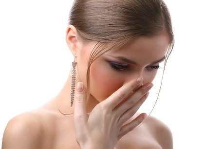 O correto deveria ser o paciente procurar um especialista em halitose para avaliar seu fluxo salivar antes de iniciar o uso dos antidepressivos