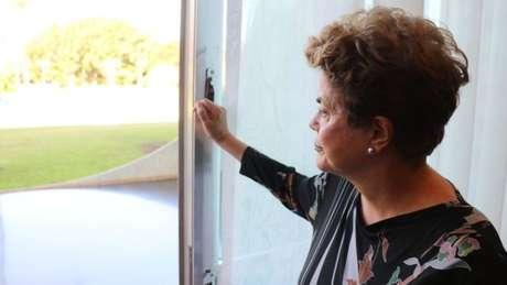 No Palácio do Alvorada, Dilma elabora sua cartada final para tentar voltar ao Planalto