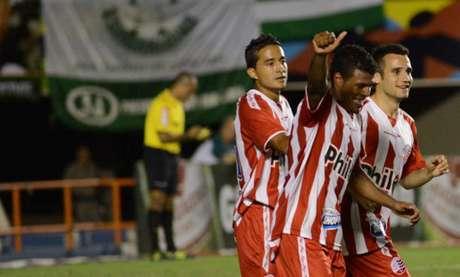 O time quer começar o segundo turno da segundona com pelo menos três reforços (Foto: Carlos Costa/Lancepress!)