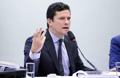 O juiz Sérgio Moro, da 13ª Vara Federal Criminal de Curitiba, recebeu denúncia na Operação Lava Jato contra ex-tesoureiro do PT Paulo Ferreira, o ex-diretor de Serviços da Petrobras Renato Duque e outras 12 pessoas.