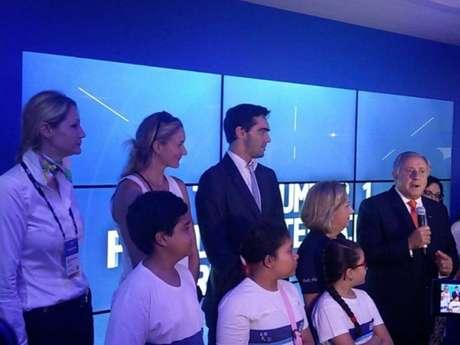Giba participou da inauguração da Casa do vôlei, em Copacabana, ao lado da americana Kerry Walsh, do vôlei de praia, da ex-jogadora russa Elizaveta Tishchenko e do presidente da FIVB, o brasileiro Ary Graça Filho (Jonas Moura)