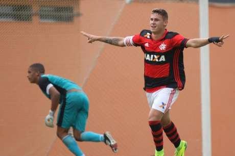 Matheus Sávio, capitão do Flamengo, vibra com última vitória sobre o Botafogo (Gilvan de Souza / Flamengo)