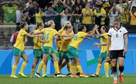 Australianas estiveram na frente, mas levaram o empate após abrir 2 a 0 (Foto: MIGUEL SCHINCARIOL)