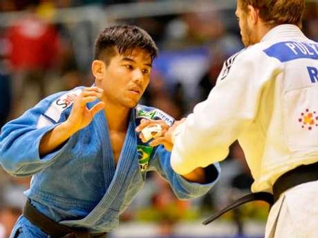 Charles Chibana foi eliminado logo em sua primeira luta na Rio-2016 (Foto: CBJ)