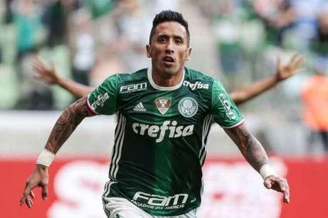 Barrios abriu o placar na vitória palmeirense, mas deixou o campo machucado (Foto:Ale Cabral/LANCE!Press)