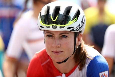 A ciclista holandesa Annemiek Van Vleuten sofreu um acidente nesse domingo, no Rio