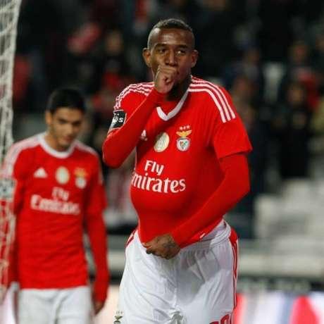 Após um animador começo, Talisca não teve muitas oportunidades em 15/16 (Foto: Divulgação / Benfica)