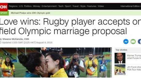 Reportagem da CNN também diz que 'o amor venceu'