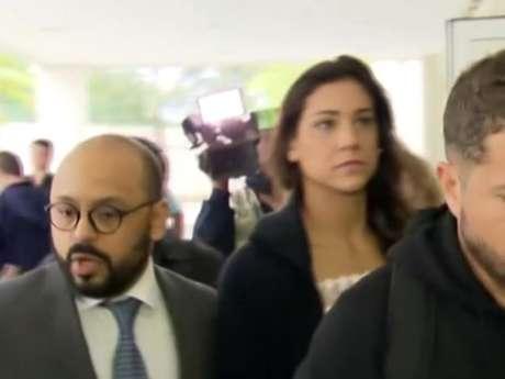 Joanna Maranhão foi à Delegacia de Repressão aos Crimes de Informática prestar queixa. Segundo a delegada Daniela Terra alguns internautas já foram identificados e podem responder por injúria, difamação e ameaça