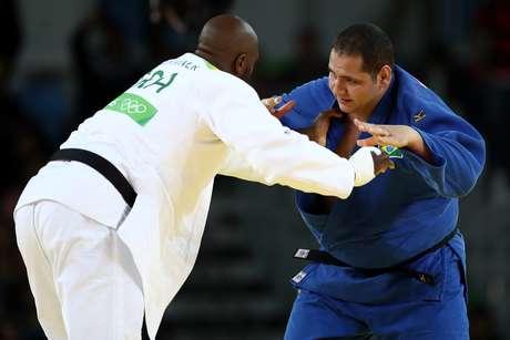 O judoca brasileiro Rafael Silva acabou derrotado pelo francês Teddy Riner, favorito à conquista do ouro na Rio 2016