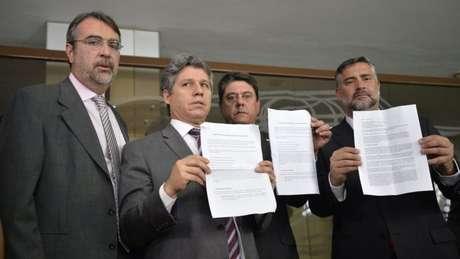 O deputado Paulo Pimenta (PT-RS), diz que o grupo recorreu ao órgão após esgotar todas as possibilidades legislativas e jurídicas no Brasil