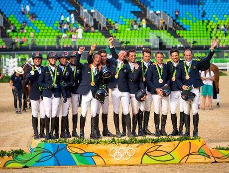 Pódio da prova de adestramento na Rio 2016