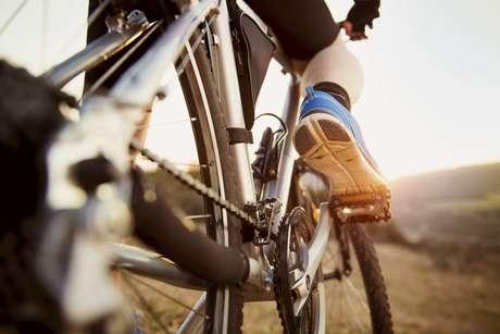 Sonhando competir as Olimpíadas de Melbourne, em 1956, Argenton começou a treinar em estradas sem asfalto