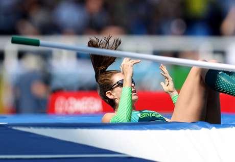 Esperança brasileira de medalha, Fabiana Murer não conseguiu superar a altura de 4,55m