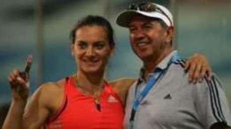 Petrov também arquitetou a carreira da russa Yelena Isinbayeva, outra colecionadora de medalhas na modalidade