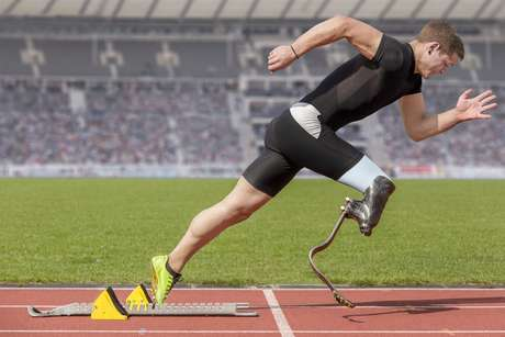 Os Jogos Paralímpicos tiveram sua estreia nos Jogos de Roma, na Itália, em 1960, e contaram com a participação de 400 paratletas, de 23 países, que competiram em provas exclusivas para usuários de cadeiras de rodas