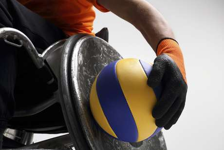Atualmente, são 28 esportes reconhecidos, entre eles atletismo, biatlo, natação, judô, futebol, ciclismo, tênis em cadeira de rodas, levantamento de peso e tiro. Neste ano, canoagem e triatlo farão sua estreia nos Jogos Paralímpicos Rio 2016
