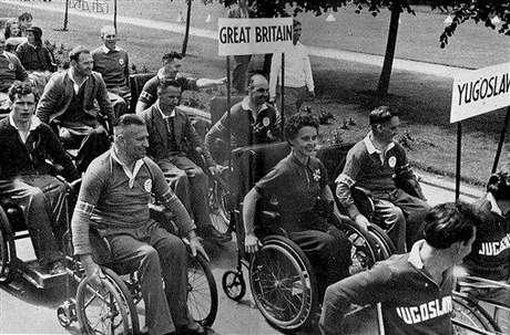 O nascimento dos Jogos Paralímpicos se deu no Hospital Stoke Mandeville, no Reino Unido, onde o neurologista alemão Ludwig Guttmann instaurou a reabilitação esportiva, que acabou evoluindo para competições