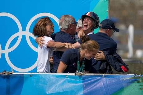 Time da França celebra medalha de ouro no CCE