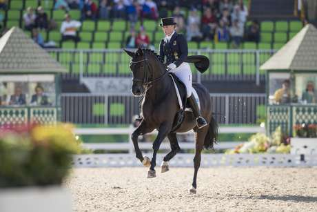 A alemã Isabell Werth e seu cavalo Weihegold