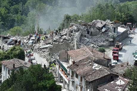 Pescara del Tronto foi uma das cidades atingidas pelo terremoto na região central da Itália