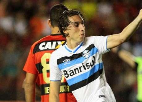 Antes de integrar Seleção, Geromel agradece Grêmio e Roger Machado