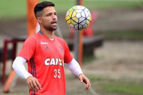 Diego volta ao time neste domingo (Gilvan de Souza / Flamengo)