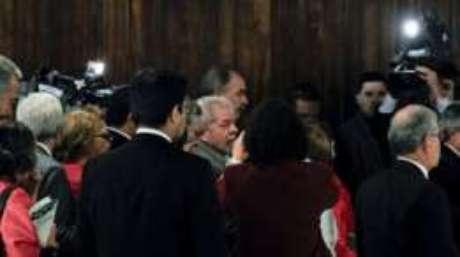 Dilma chegou ao lado de Lula ao Senado Federal nesta segunda-feira
