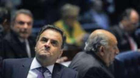 Aécio Neves também questionou Dilma no julgamento final dela no Senado