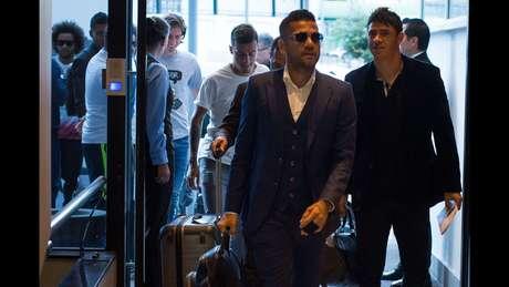 Jogadores da Seleção Brasileira chegam a hotel em Quito, no Equador