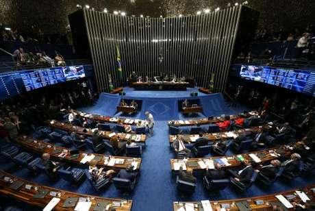 A sessão de julgamento do impeachment retoma nesta terça-feira às 10h