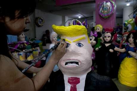 Mexicanos se preguntan por qué Peña Nieto se reúne con Trump