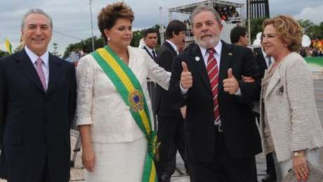 Escolhida por Lula para sucessão, Rousseff foi criticada por falta de traquejo para lidar com alianças no Congresso