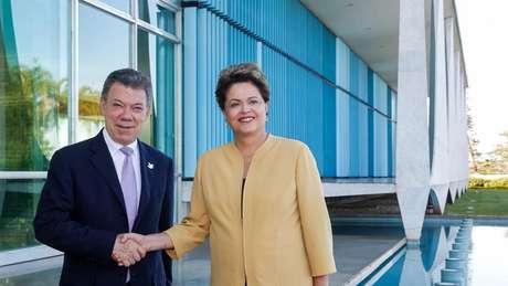 Dilma Rousseff e o presidente da Colômbia, Juan Manuel Santos, em 2014