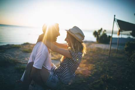 Sobre o amor: completar sim, sufocar não