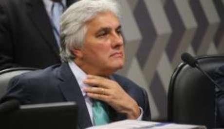 A defesa quer a regra usada em benfício de Dilma Rousseff também valha para Delcídio do Amaral