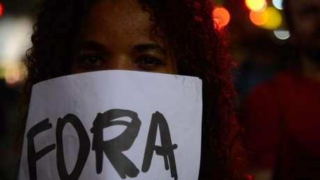 Movimentos contra o processo de impeachment não devem ser obstáculo para Temer, diz analista
